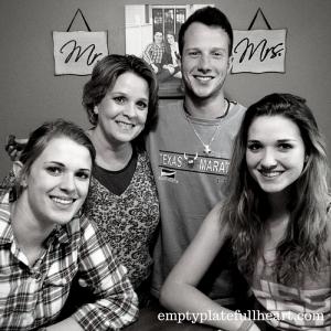 Mom Three Kids emptyplatefullheart.com